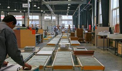 无微不至的技术支持 让百益橱柜倾心永特耐木工胶